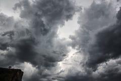 clouds dramatiskt Arkivbilder