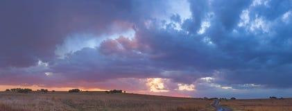 clouds färgglatt Arkivfoton