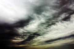 clouds gåtfullt royaltyfria foton