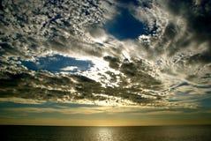 clouds hav över Arkivbild