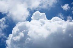 clouds horisonten Arkivbild