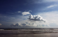 Clouds over beach Royalty Free Stock Photos