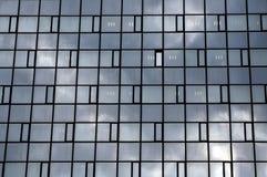 clouds reflexion arkivfoton