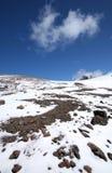 clouds snow för bergrockssky Royaltyfria Bilder