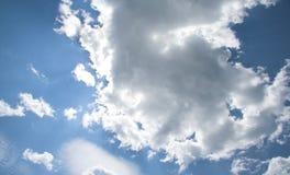 clouds soligt Arkivbilder
