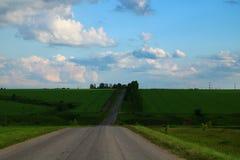 clouds vägen till Royaltyfri Fotografi