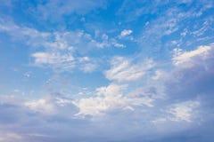 Cloudscape在夏天 库存照片