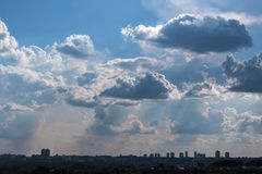 Cloudscape天空云彩背景自然风景自由的空气 免版税库存照片