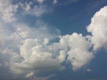 Cloudscape στον ουρανό Στοκ φωτογραφία με δικαίωμα ελεύθερης χρήσης