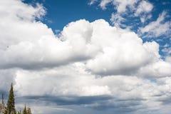 Cloudscape в высоких горах если Айдахо Стоковое Изображение RF