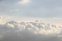 Cloudscape в небе Стоковые Изображения