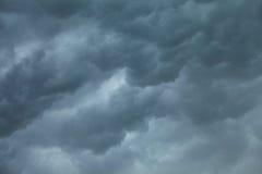cloudscape драматическое Бурные облака на небе Стоковое Изображение