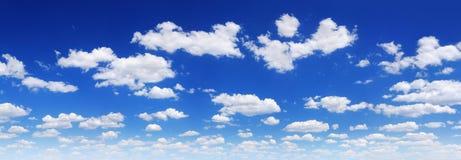 Cloudscape -天空蔚蓝和云彩 库存照片