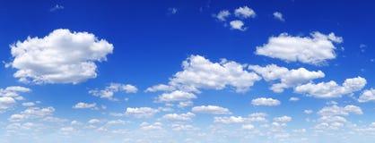 Cloudscape -天空蔚蓝和云彩 图库摄影