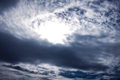 cloudscape Attraktiv von erstaunlichem Himmel mit bewölktem Draußen auf s Stockfotos