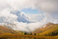 Cloudscape auf Mottarone Lizenzfreie Stockfotos