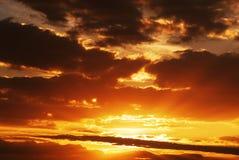 Cloudscape auf Sonnenuntergang Stockbilder