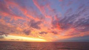 Cloudscape bij zonsondergang stock footage