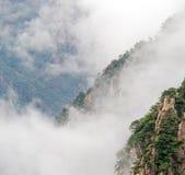 Cloudscape bild av Huangshan Arkivfoto