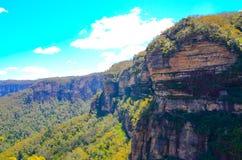 Cloudscape boven de mooie bergmening van Jamison Lookout in Wentworth Falls, Nieuw Zuid-Wales, Australië stock fotografie