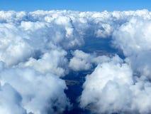 Cloudscape, cielo y horizonte aéreos. Foto de archivo libre de regalías