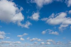 Cloudscape com céu azul Fotografia de Stock Royalty Free