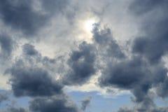 Cloudscape dans le ciel de Londres image stock