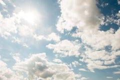 Cloudscape de brillante fotografía de archivo