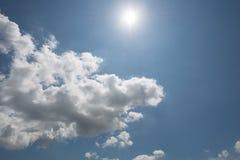 Cloudscape de brillante imágenes de archivo libres de regalías