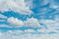 Cloudscape di luminoso Fotografia Stock