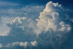 Cloudscape drammatico di sollievo Fotografie Stock
