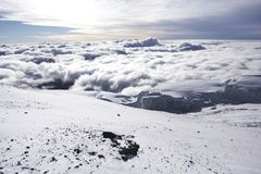 Cloudscape du sommet de Kilimanjaro Photo libre de droits