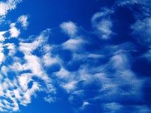 Cloudscape hermoso, cielo azul Imágenes de archivo libres de regalías