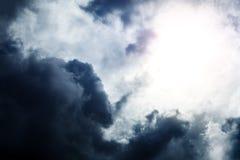 Cloudscape met een Licht Royalty-vrije Stock Foto's