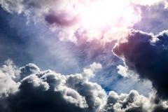 Cloudscape met een Licht Stock Afbeeldingen