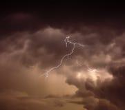 Cloudscape mit Donnerbolzen Lizenzfreies Stockbild