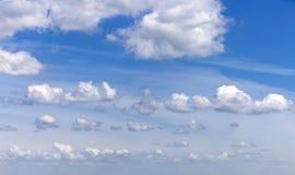 Cloudscape mit einigen wundervollen szenischen Wolken Stockbilder