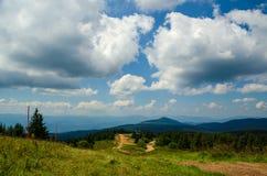 Cloudscape nad halnym Kopaonik zdjęcia royalty free