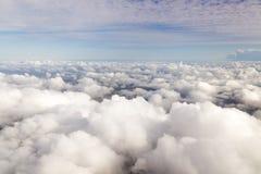 Cloudscape. Niebieskie niebo i biel chmura. Fotografia Royalty Free