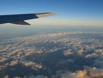 Cloudscape onder vliegtuigen Stock Foto