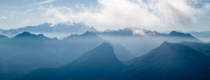 Cloudscape over mountains Royalty Free Stock Photos