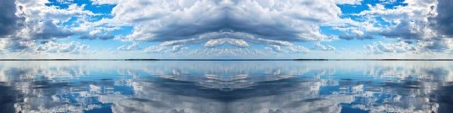 Cloudscape-Panorama Stockbilder