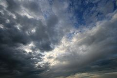 Cloudscape scuro immagine stock libera da diritti