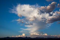 Cloudscape sopra il deserto del Mojave, Nevada Fotografia Stock