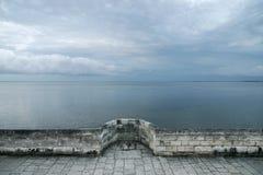 cloudscape stärkt vägg Arkivbild