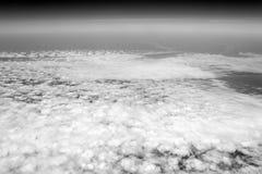 Cloudscape, tiempo, naturaleza Cielo y nubes vistos desde arriba Atmósfera, estratosfera, aire Pasión por los viajes, aventura imagen de archivo