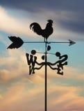 cloudscape weathervane przeciwko Fotografia Stock