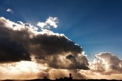 cloudscapestigningssun upp Royaltyfri Bild