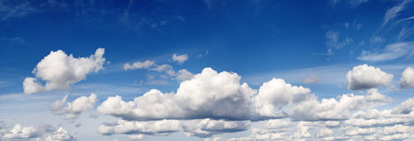 Cloudy blue summer sky Royalty Free Stock Photography