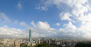 Cloudy cityscape of Taipei Royalty Free Stock Photos